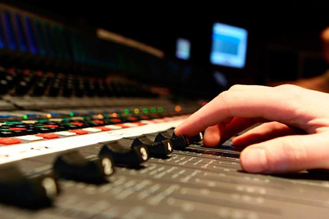 Audio engineer - Wikipedia